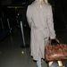 Ja, és monogramos Louis Vuitton bőröndje van. KGH, azaz Kate Garry Hudson.