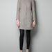 Zara: szürke kabát 15995 forintért.