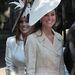 Tányér kalapban Zara Phillips és Mike Tindall esküvőjén