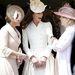 Egymáshoz öltözött családtagok Windsorban