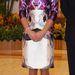 Térdig érő selyemruhában Szingapúrban