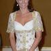 Igazi királylányos fehér-arany ruhában Malajziában