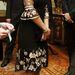Hippinek öltözve a Buckingham Palotában