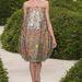 Virágokkal díszített hagymaruha a Dior Haute Couture kollekcióban