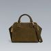 Ha hasonlóan praktikus táskára vágyunk, ami stílusban és színben is passzol, a Zarában ezt érdemes választani, 24995 forintért.