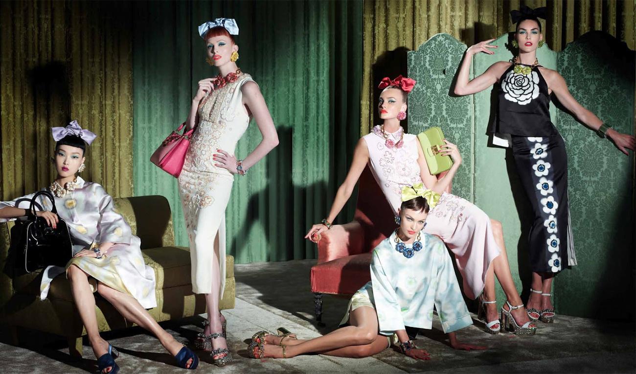 Lagerfeld egyik új üdvöskéje,Yumi Lambert  a Chanel 2013-as tavaszi-nyári kampányában