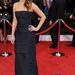 Érkezéskor a színésznő még nagyon csinos - és tényleg látszik a ruhán, hogy több rétegből van összerakva.