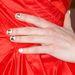 Zooey Deschanel az idei Golden Globe-ra festett filmtekercseket körmére
