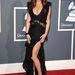 És 2011-ben is: Lea Michele színésznő rendszeresen a legjobban öltözöttek közé kerül, ez épp egy Emilio Pucci ruha Christian Louboutin cipővel, Lorraine Schwartz ékszerekkel és Fendi táskával.