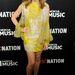 Kylie Minogue sárga miniruhában Hollywoodban