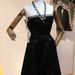Christian Dior pántnélküli bársonyruha 1948-ból