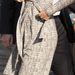 Állapotos nőknek remek viselet, és ha ilyen vékony marad, Katalin még sokáig hordhat ilyen fazonú ruhákat.