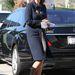 Maria Shriver szoknyához és körömcipőhöz passzintotta a trendi kabátot
