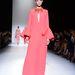 A jövendölések szerint mégis az lesz a legjobb, ha egy Gucci ruhát választ a 70-es évek jegyében.