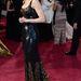 Nicole Kidman ruháját épp egy hete mutatták be Londonban. Nekünk bejött a fekete csillogás.