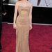 Jessica Chastain: a halvány bronzszínű ruha mellé 1960-as évekbeli Harry Winston karkötőt és gyémántfülbevalókat vett a színésznő.