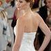 Jennifer Lawrence Dior Haute Couture ruháját Chopard ékszerekkel dobta fel. A 74 karátos gyémántnyakéket a hátán viselte.