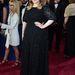 A fekete, hosszúujjú, tüll Jenny Packham ruhában Adele jobban nézett ki, mint valaha.