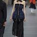 Csőkabátok hosszú szoknyával a Miu Miutól