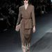 A klasszikus kosztüm azért nem maradt a Louis Vuitton kollekcióból