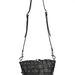 Egyik kedvencünk a fekete bőr táska szegecsekkel, amiért 295 fontot, 101.300 forintot kér a londoni designer.