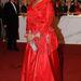 Oprah Winfrey lazac színű estélyiben a washingtoni Kennedy Center vörös szőnyegén.