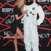 Candice Swanepoel a legtöbb esetben büszkén mutogatja lábait