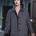 Vegyen tweedkabátot, mint a Louis Vuitton modellje
