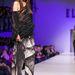 A tervező szereti a lazán kötött pulcsikat és a bő selyemlebernyegeket