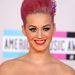 Katy Perry 2011-ben vállalta be a rózsaszín hajat.