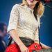A hatszoros Grammy-díjas country-pop énekes, Taylor Swift.