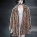 A Louis Vuitton bundáit fehérnemű fölé is bátran felvehetjük