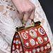Rajzfilmbe illő táska a Dolce & Gabbanától.