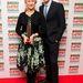 Március 24., London: Helen Mirren az:Empire Film Awardson átveszi a neki járó Empire Legend díjat, mellette Tom Hiddleston. Mirren a fekete alapon virágos ruhához fekete kiegészítőket választott.