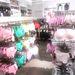 Persze a szivárvány minden színe ott van a H&M-ben.