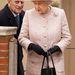 II. Erzsébet púder rózsaszínben
