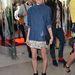 Kate Bosworth trendi farmeringben és miniben.