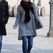 Jessica Biel sárga cipő fűzős tornacipőre váltotta le couture ruháit