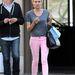 Diane Kruger szürke pólóban és rózsaszín farmerben.