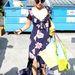 Vanessa Hudgens gyakran megy virágmintás ruhákban bevásárolni.