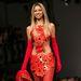 Az Elle Fashion Show-n Nagy Réka viselte Király egyik kreációját.