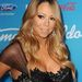 Mariah Carey mentával duzzasztja ajkait.
