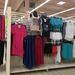 Ilyen ruhákkal van tele az Auchan, sajnos árcetlit nem találtunk rajtuk.