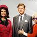 Még a Madame Tussaudsban is a magenta kosztümöt viselve örökítették meg.