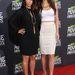 Az eddig csatahajónak öltöző celebnő még húga, Kendall Jenner mellett sem néz ki kínosan.