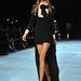 Modell a Saint Laurent kifutóján a 2013-as tavaszi kollekció egyik összeállításában.
