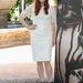 Julianne Moore térdig érő fehér csipkében pózol Mexikóban