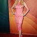 Az anyag rózsaszínben is trendi, akár pink cipővel is hordhatja, mint Lulu Johnson!