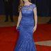Connie Britton kék csipke estélyiben