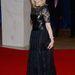 Arianna Huffington bőrrel kombinálta csipkeruháját.